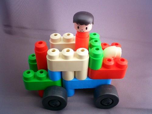 ハルカの作った作品のあまった部品で作ったカー