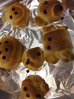 パン作り。